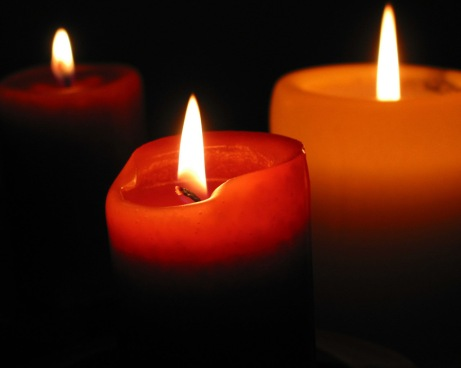 flickering-firelight-candles-22611285-1280-1024