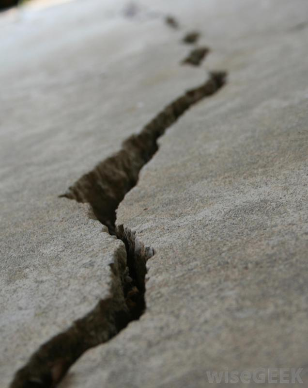 crack-in-ground.jpg.7f48f18d46182768713d9e88fd3d1d75
